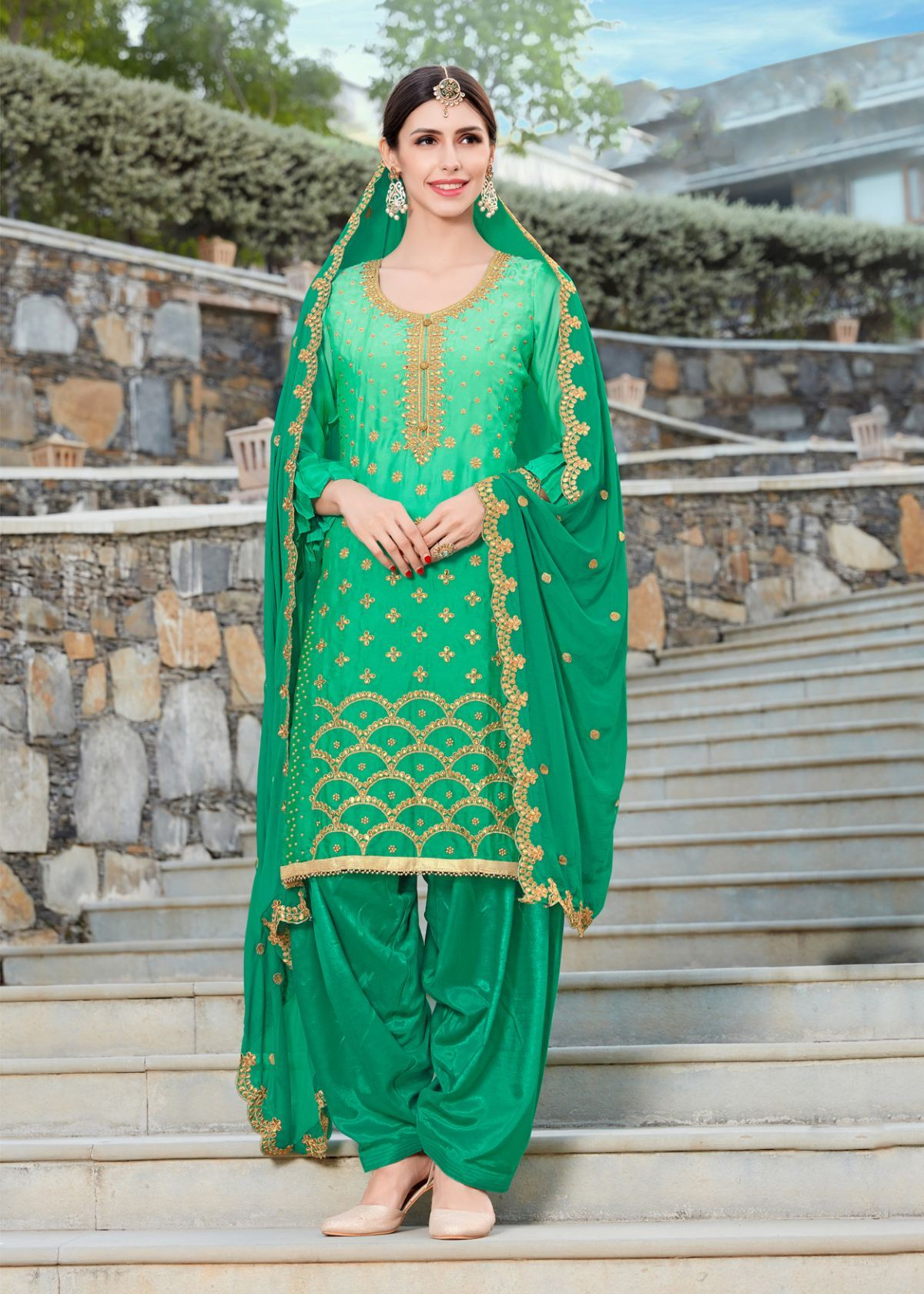 Good Looking Trendy Salwar-kameez 30306