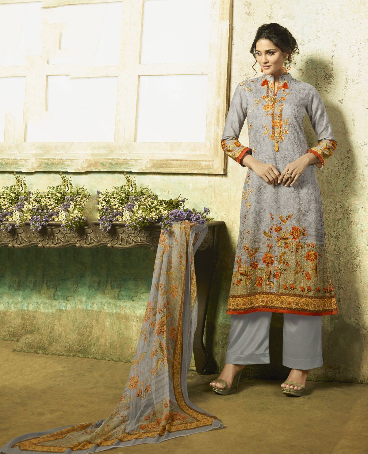 Latest Trendy Salwar-kameez 30323