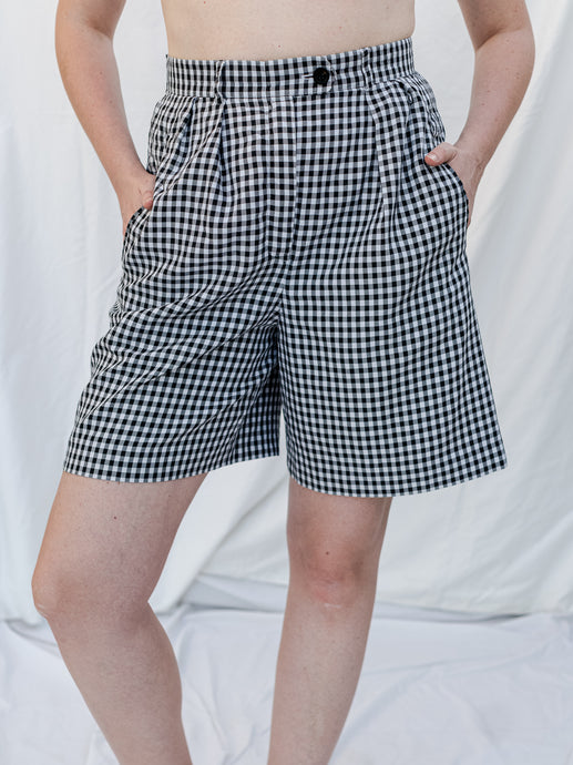 Vintage 80's Escada Gingham checked Pleated Shorts (38)