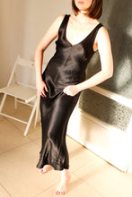 Load image into Gallery viewer, VINTAGE LA PEARL NOIRE DRESS