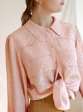 Load image into Gallery viewer, Vintage 80's Tea Time Peachy Blouse (M)
