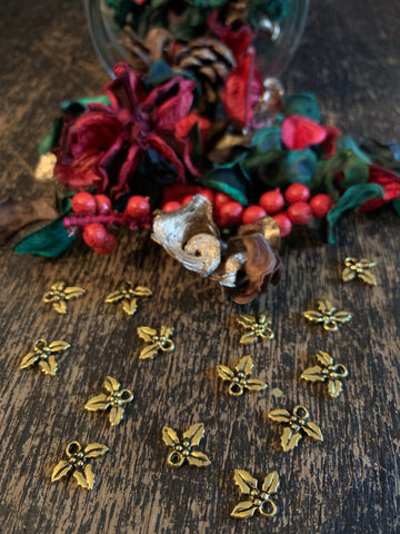 Charm - Gold Holly Sprig