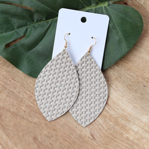 Taupe Lattice Medium Leaf