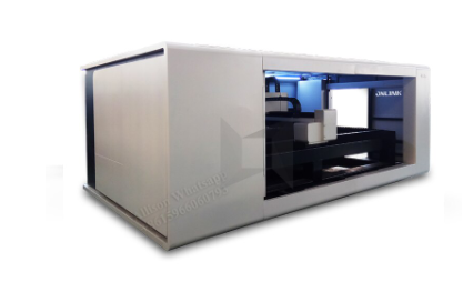 1500*3000mm Fiber laser cutting machine with CE cabin