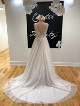 Load image into Gallery viewer, Pronovias A-Line/Ballgown