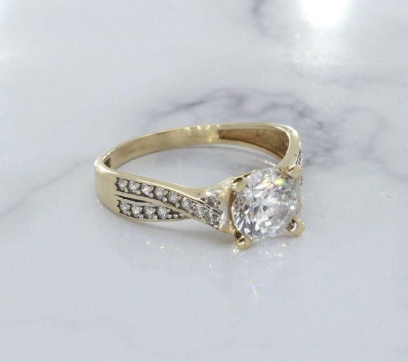 Cubic Zirconia Solitaire Ring 9ct Yellow Gold