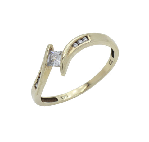 Solitaire Cubic Zirconia Ring 9ct Yellow Gold