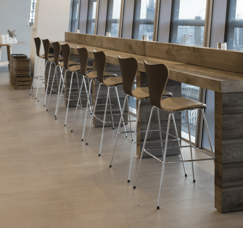 Series 7 Bar Stool, Unuphol