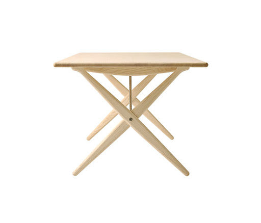 PP84 Cross Legged Table