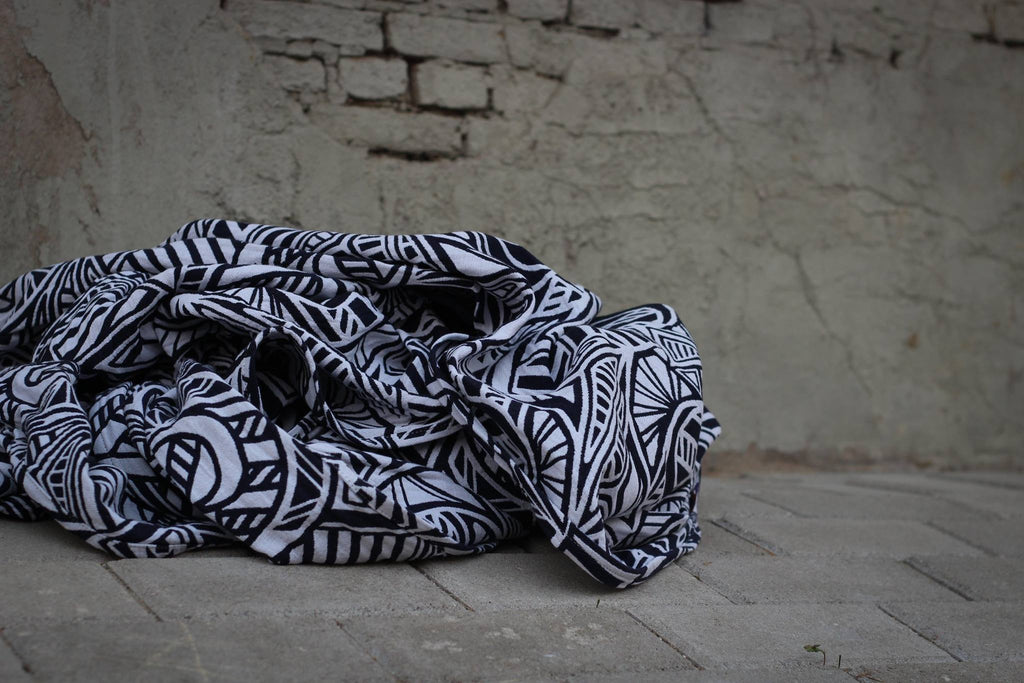 Yaro Urban Geo Contra Navy White Wrap (cotton)