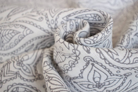 Yaro Lace Contra Grey White Glossy Ring Sling (Bamboo Blend)