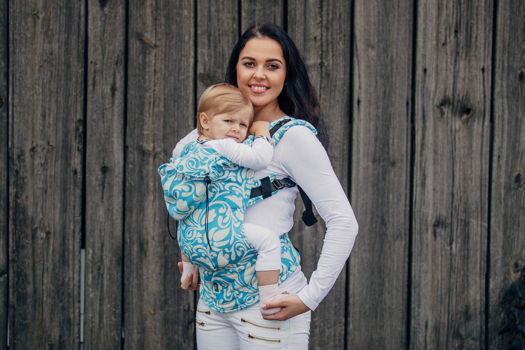Lenny Lamb Twisted Leaves Cream and Turquoise Ergonomic Full Buckle Carrier (cotton)