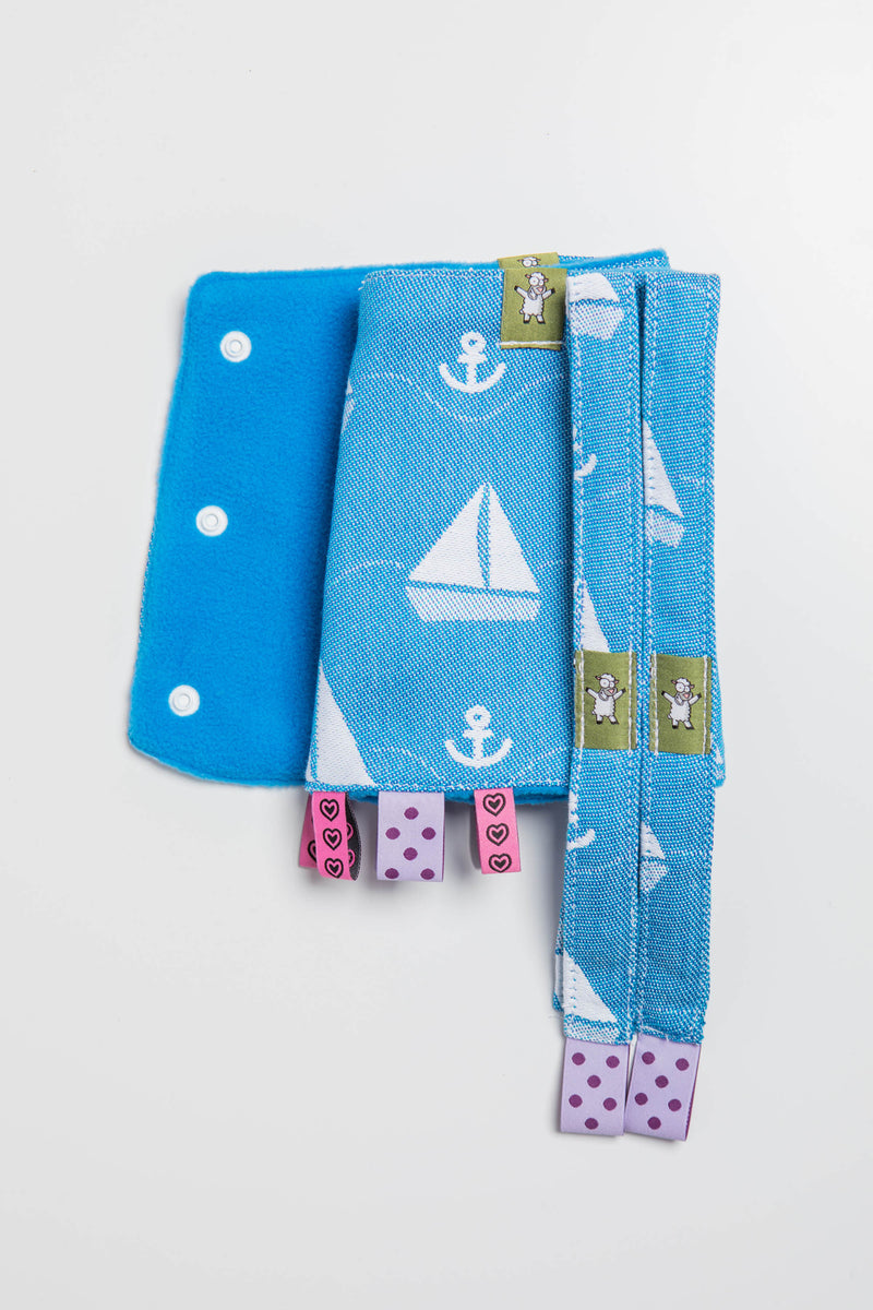Lenny Lamb Holiday Cruise Drool Pads and Reach Straps Set