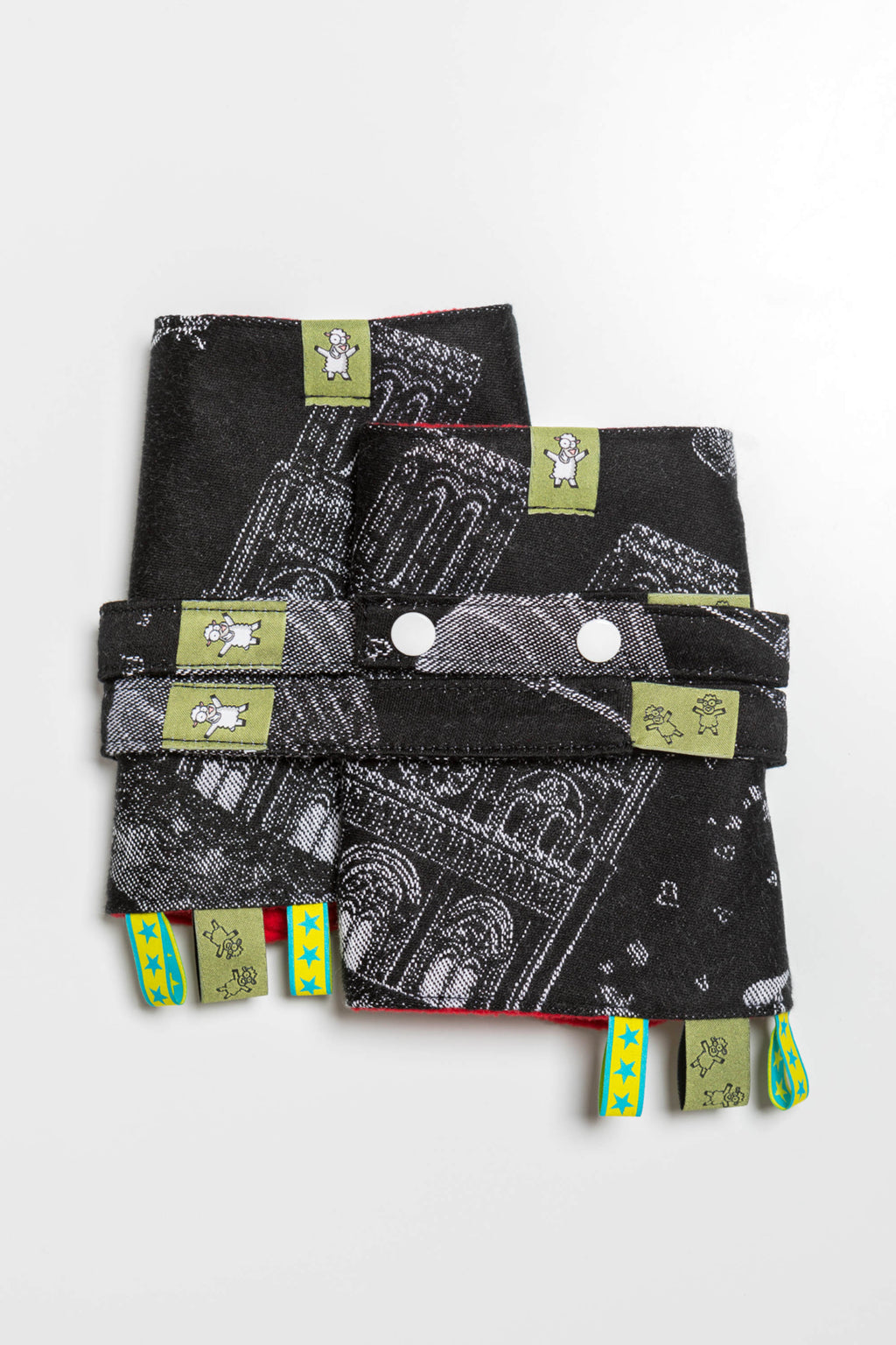 Lenny Lamb The City of Love at Night Drool Pads and Reach Straps Set