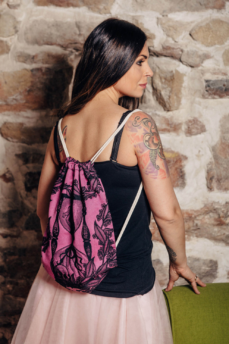 Lenny Lamb Time Black and Pink Sackpack