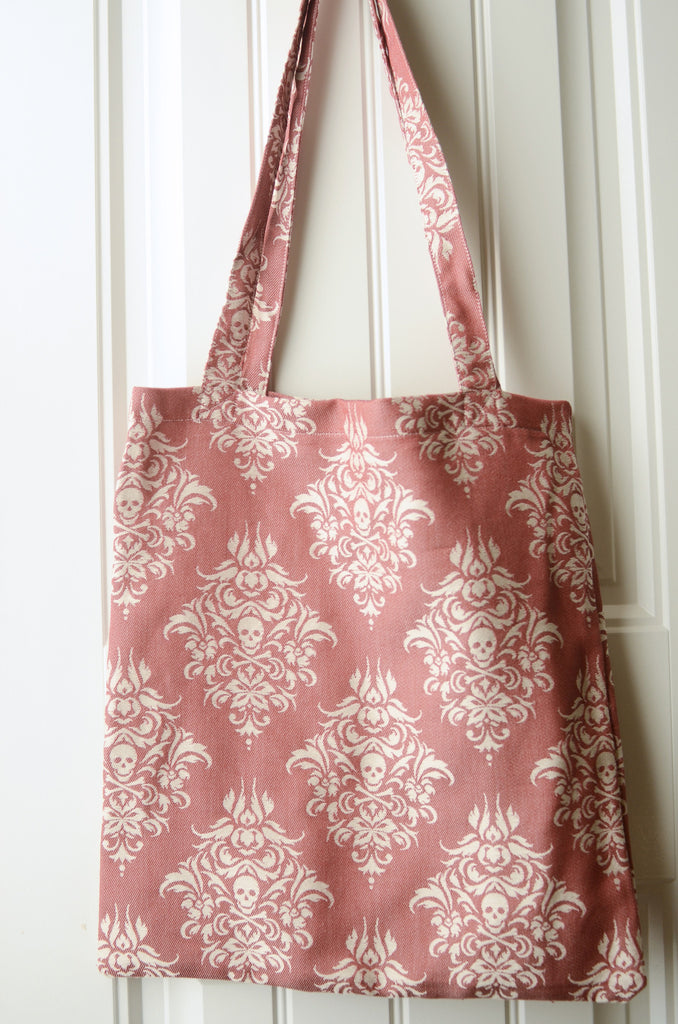 Smitten with Wovens Queen Anne's Revenge - Port TOTE BAG