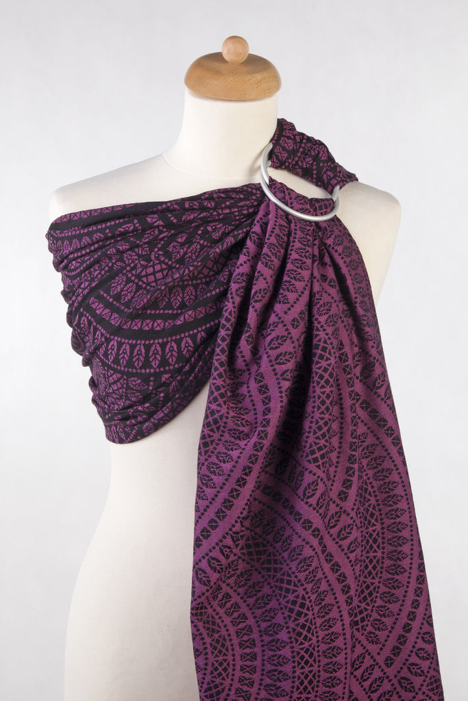 Lenny Lamb Peacock's tail Black and Purple (cotton) Ring Sling