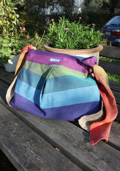 Wompat Slingyroo Northern Lights Wrap Conversion Bag