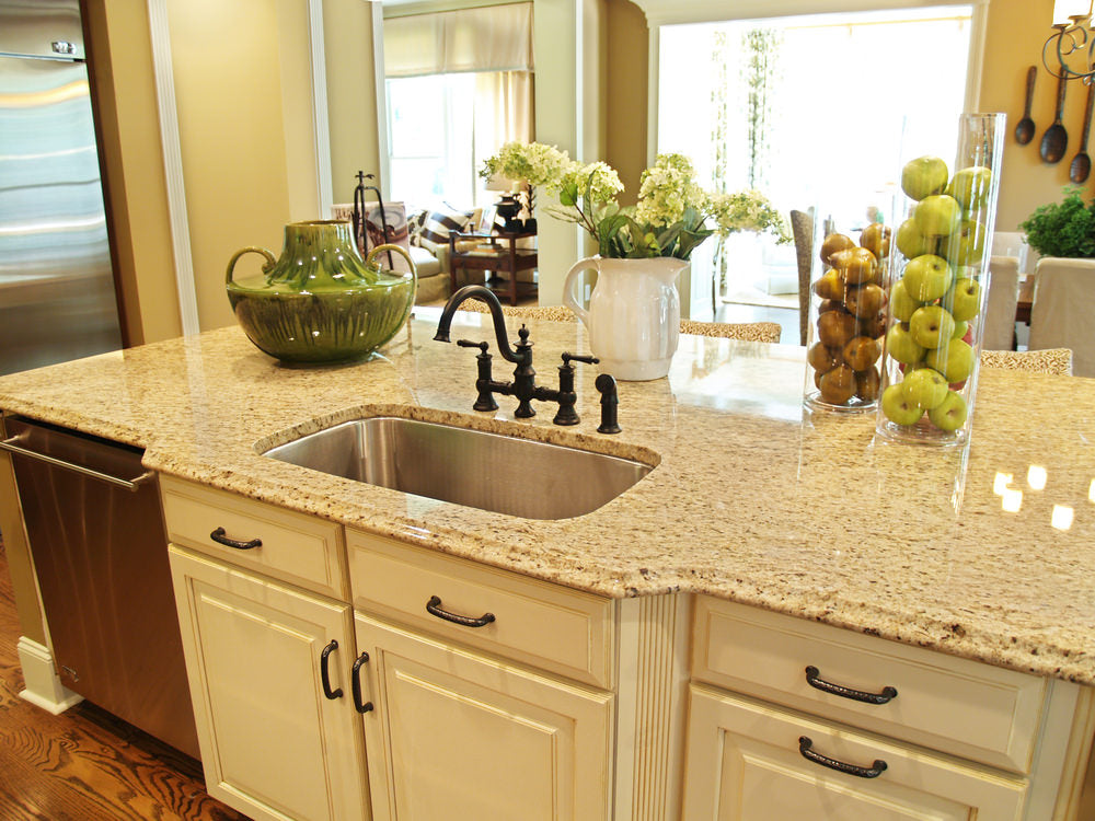 OUTFITTING YOUR KITCHEN ISLAND