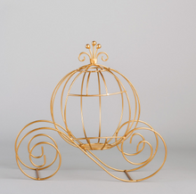 Load image into Gallery viewer, Metal Pumpkin Carriage