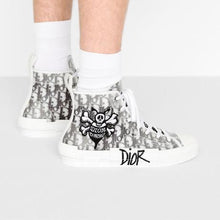Load image into Gallery viewer, B23 High-Top Sneaker • Black and White Dior Oblique Canvas with DIOR AND SHAWN Bee Embroidery Patch