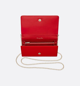 30 Montaigne Pouch • Cherry Red Patent Calfskin