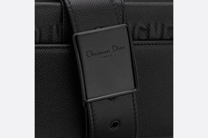 30 Montaigne Box Bag • Black Ultramatte Grained Calfskin