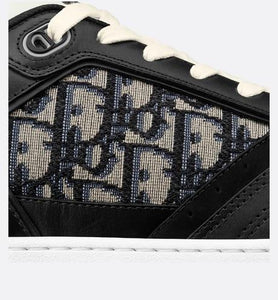 B27 Low-Top Sneaker • Black Smooth Calfskin with Beige and Black Dior Oblique Jacquard