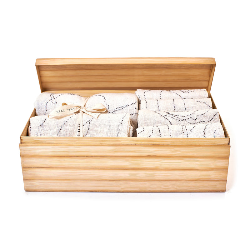 ECRU KANTHA TOWEL BOX SET