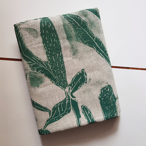 Table cloth : Banksia in Bottle Green x Printink Studio