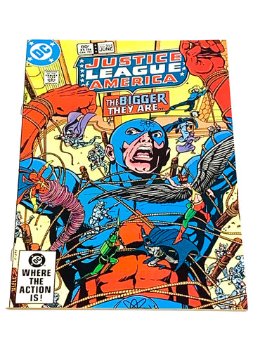 JUSTICE LEAGUE OF AMERICA #215. VFN CONDITION