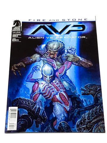 ALIENS VS PREDATOR - FIRE & STONE #4. NM CONDITION.