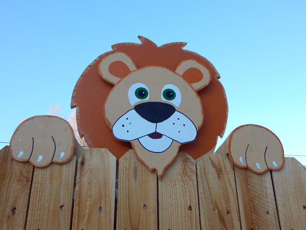 Lucky the Lion Fence Peeker Yard Art Garden Party Playground Decoration