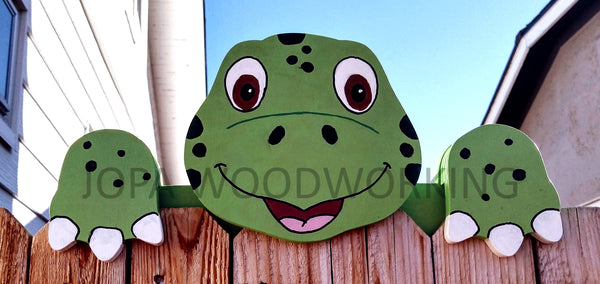 Green Turtle Fence Peeker Yard Art Garden Playground Decoration