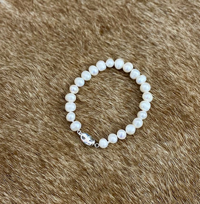 Pearl Bracelet With Silver Clasp