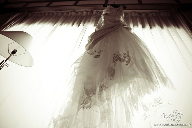 Amy Stuart's beautiful wedding gown