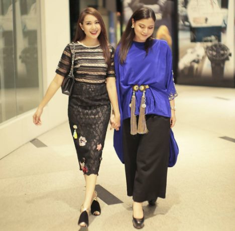 Intan Ladyana and Lisa Surihani wearing Melinda Looi's pieces for Kuala Lumpur Fashion Week 2017 (KLFW).