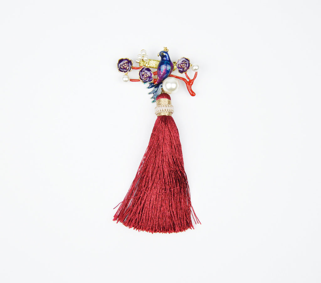 PEACOCK WITH MAROON COLOUR TASSLE BROOCH - MAROON