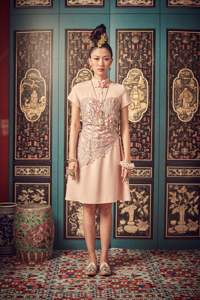 CREAM POLY BASE WITH PINK FLORAL LACE - SWEETHEART NECKLINE WITH MANDARIN COLLAR DRESS - CREAM - Melinda Looi - Official Website