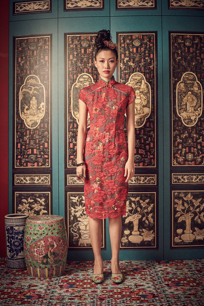 RED LACE WITH GREEN TAFFETA - CLASSIC CHEONGSAM WITH SIDE SLITS - RED - Melinda Looi - Official Website