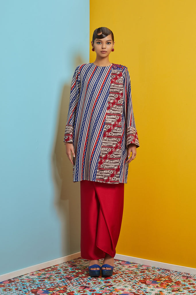 BLUE AND RED COTTON BATIK - BAJU PAHANG LABUH WITH PATCH ON LACE AND SARONG SKIRT - NAVY