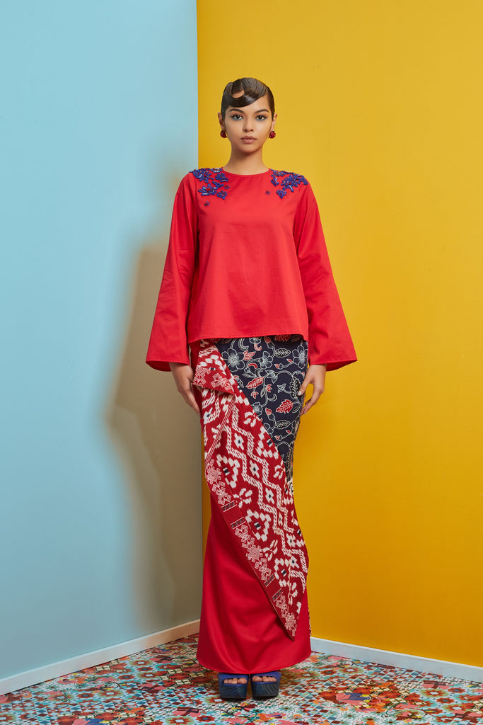 RED COTTON TOP WITH PATCH ON LACE - NAVY AND RED BATIK SKIRT WITH DRAPED PANEL - Kurung Moden