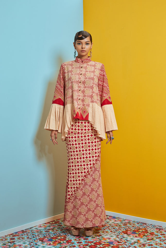 CREAM VISCOSE BATIK WITH RED AND BLUE COTTON BATIK - PLEATED SLEEVE AND HEN BAJU KURUNG - CREAM