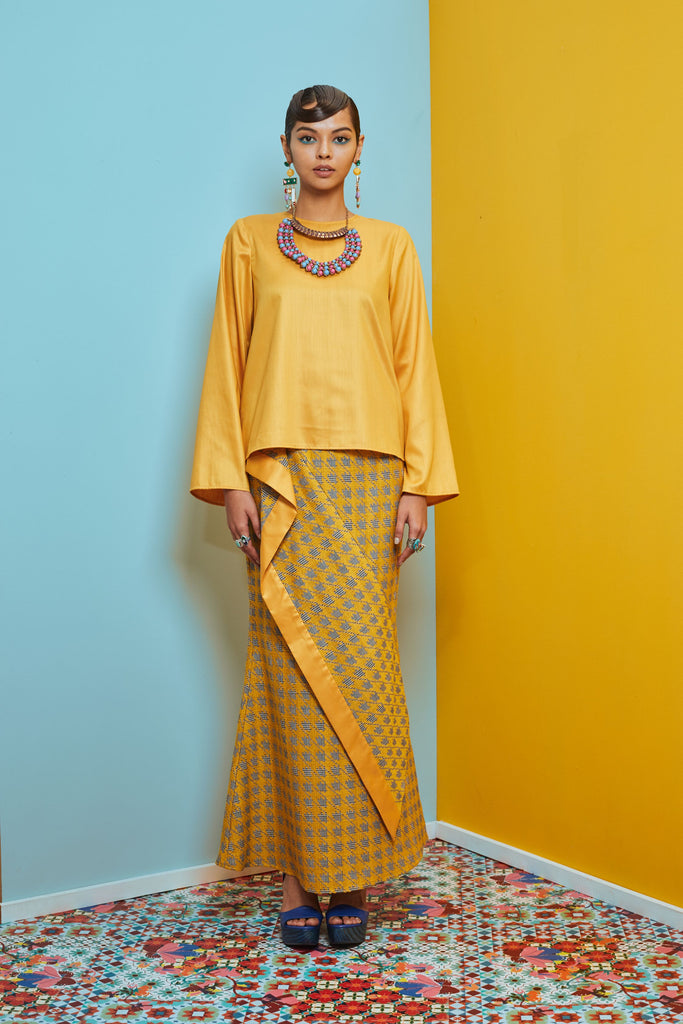 YELLOW POLY COTTON TOP - YELLOW AND GREY WOVEN SKIRT WITH DRAPED PANEL - Kurung Moden