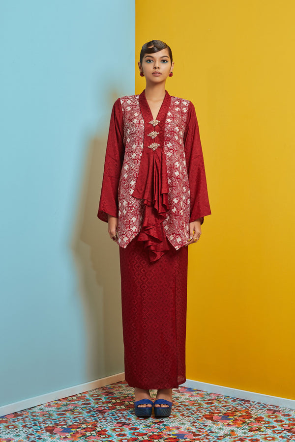 HANDKERCHIEF TOP VISCOSE BATIK WITH SARUNG SKIRT BAJU KEBAYA LABUH - MAROON