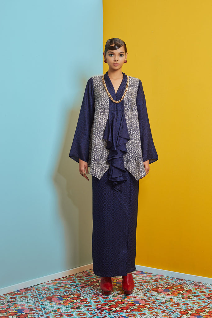HANDKERCHIEF TOP VISCOSE BATIK WITH SARUNG SKIRT BAJU KEBAYA LABUH - NAVY
