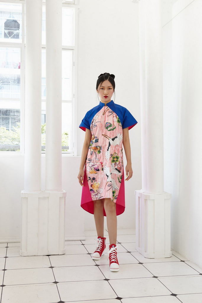 Pre-Order BLUE, PINK AND FLORAL PRINTED COTTON - A LINE DRESS WITH DETACHABLE COLLAR AND FRONT POCKETS - BLUE