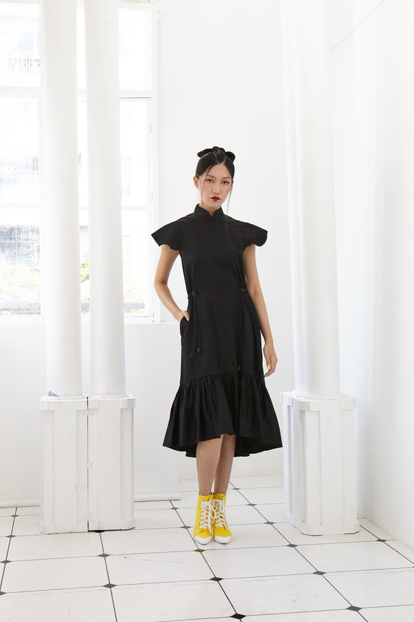 Pre-Order BLACK COTTON - LONG DRESS WITH GATHERED HEM AND REVERSIBLE SLEEVE WITH DETACHABLE COLLAR - BLACK