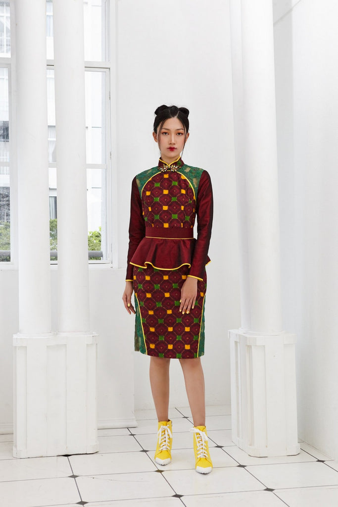 MAROON TAFFETA WITH GREEN LACE - CHEONGSAM WITH SIDE SLIT LACE PANEL - MAROON - GREEN