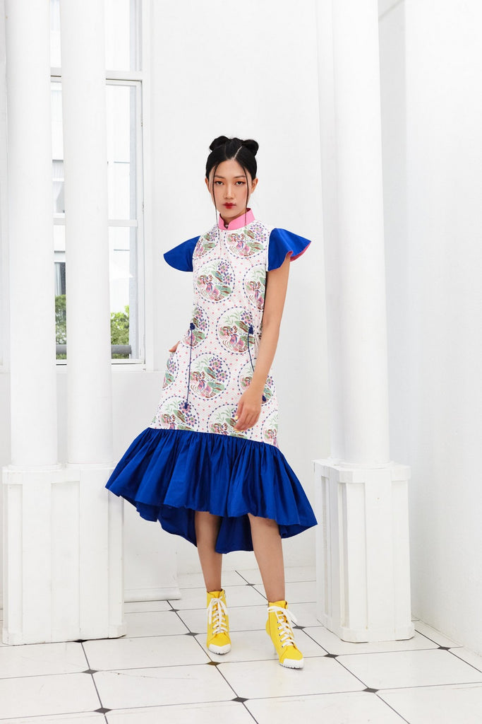 Pre-Order YUANYANG PRINTED AND BLUE COTTON LONG DRESS WITH GATHERED HEM AND REVERSIBLE SLEEVE WITH DETACHABLE COLLAR - BLUE